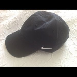 Accessories - NWT Nike canvas hat